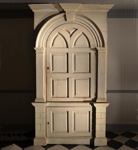 Antique Barrel Back Corner Cupboard - Corner Cupboard - Dig Antiques